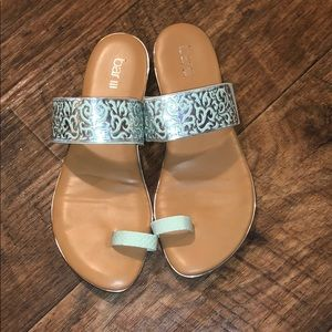 Cute Sandals ! 🐬